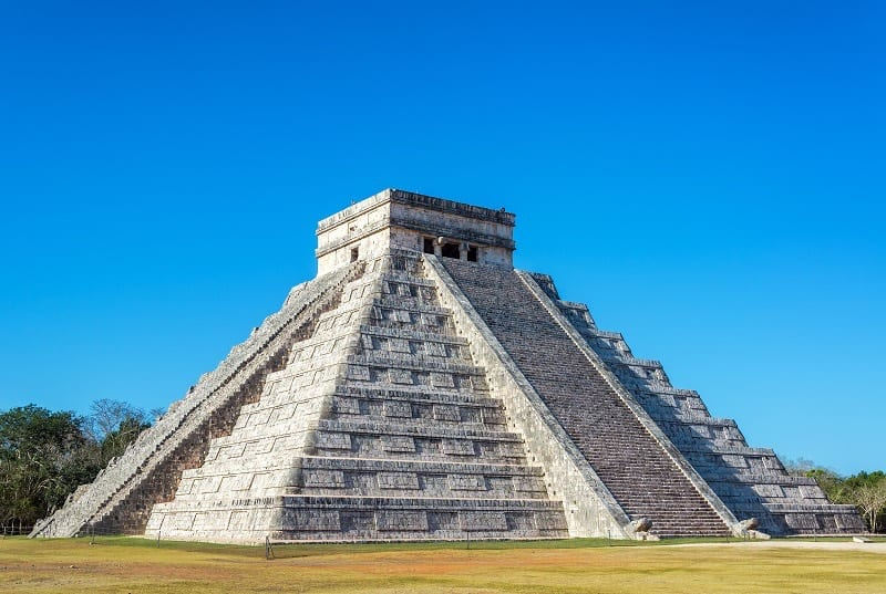 The Castle, Mayan Pyramid. Chichen Itza, Mexico. Central America Vacations
